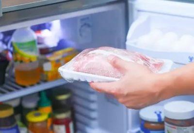 Как правильно хранить сырое мясо в холодильнике