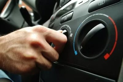 Можно ли заводить машину с включенным кондиционером