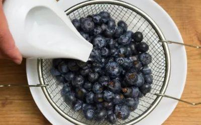 Можно ли мыть ягоды перед заморозкой