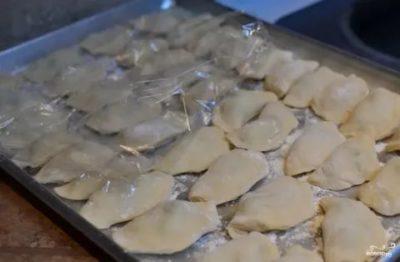 Можно ли манты с картошкой хранить в морозилке