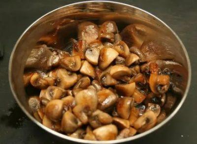 Нужно ли отваривать замороженные грибы