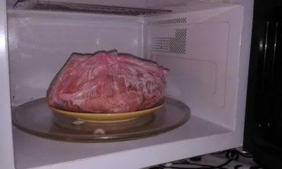 Как правильно разморозить мясо в микроволновке