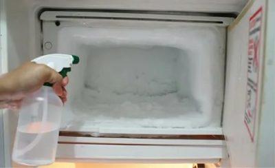 Можно ли ставить горячую воду в морозильник