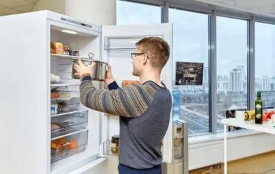 Что будет если поставить горячее молоко в холодильник
