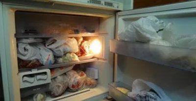 Как избавиться от неприятного запаха в морозилке холодильника