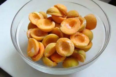 Можно ли заморозить абрикосы с сахаром